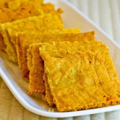 Low-Carb and Gluten-Free Cheese Crackers with Almond Flour