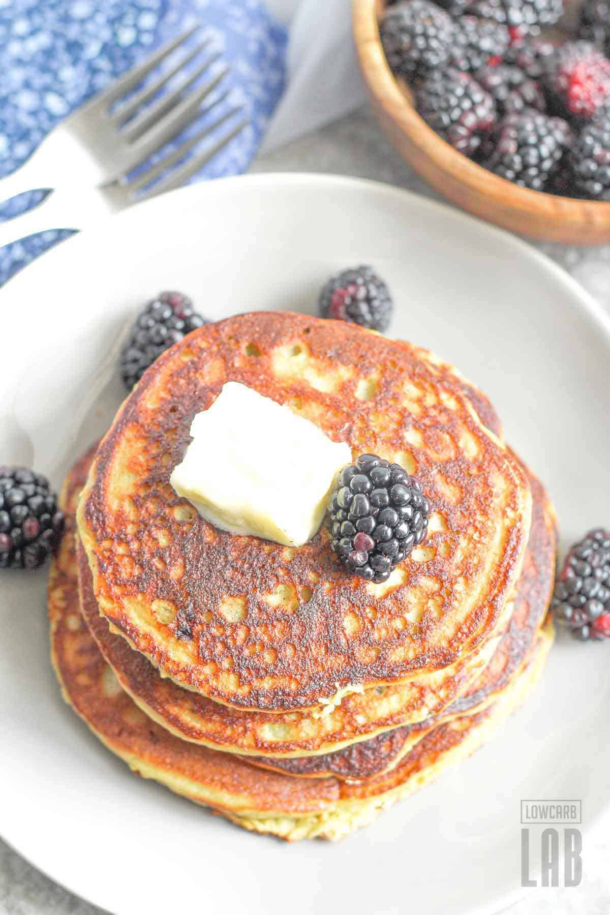 Low carb blackberry pancakes recipe done ready to eat