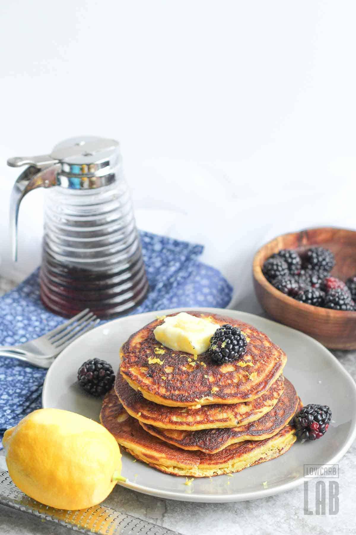 Low carb blackberry pancakes recipe with lemon zest